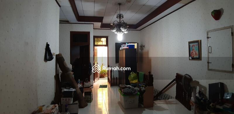 Rumah 2 Lantai plus Ruang Usaha #105218912