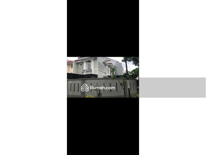 Rumah di Taman Semanan Indah, Tanah 207m2, Hoek, Timur Selatan, Full Furnished, SHM, Harga 3,7M Nego #105220602