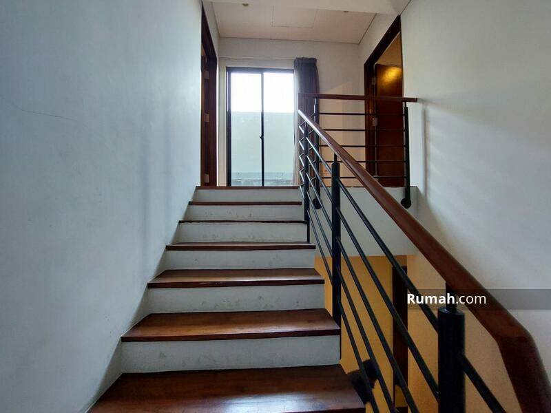 Townhouse Cantik di Kemang harga mulai dari Rp 5.5 Milyar #105220764