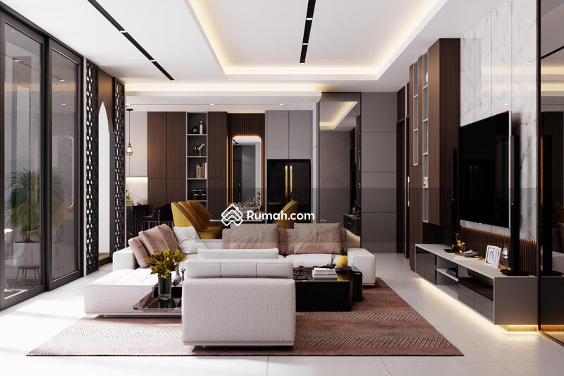 Dijual Rumah 4 Kamar Dekat Mall SKA,ada Kolam Renangnya! #105222716