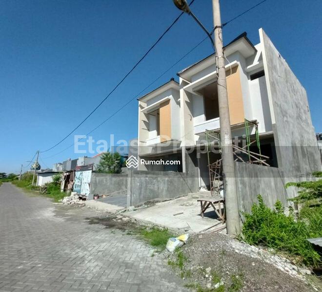 On Progress Rumah 2 Lantai di Royal Paka Rungkut One Gate System #105222946
