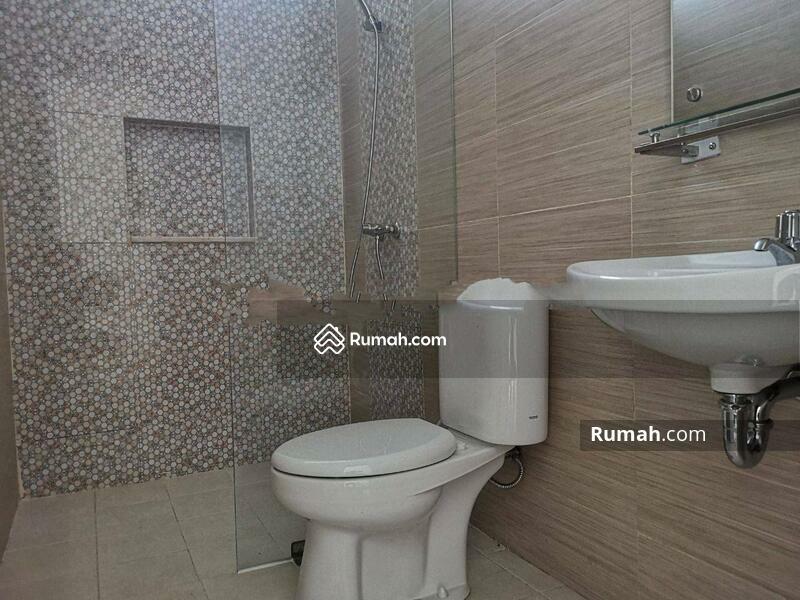Rumah Cantik Kavling Polri Jelambar, Jakarta Barat #105224286