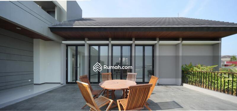 Rumah minimalis mewah ada kolam renang di PIK #105224682