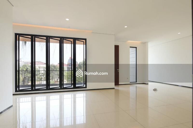 Rumah minimalis mewah ada kolam renang di PIK #105224684