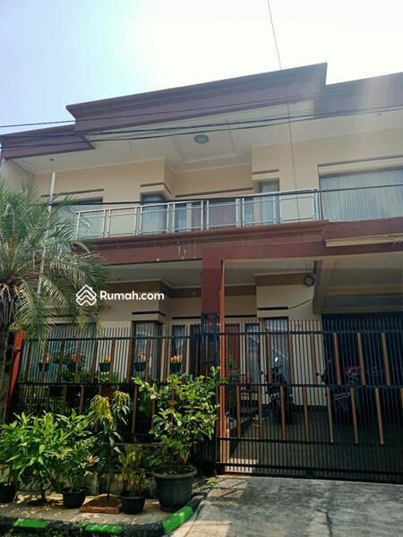 Rumah 2lt dalam komplek one gate sistem di Pondok kelapa jakarta timur #105225840