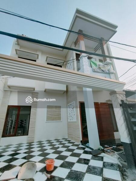 RUMAH BARU SINGLE UNIT AKSES DEBEST PINGGIR JALAN RAYA #105227186