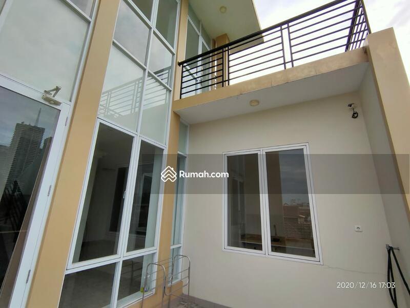 Dijual rumah mewah,terawat di Taman Meruya Jakarta Barat #105227486