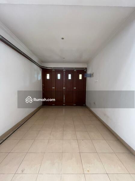 Rumah Minimalis Harga Menarik Dalam Komplek Tanjung Barat Indah Jakarta Selatan #105228034