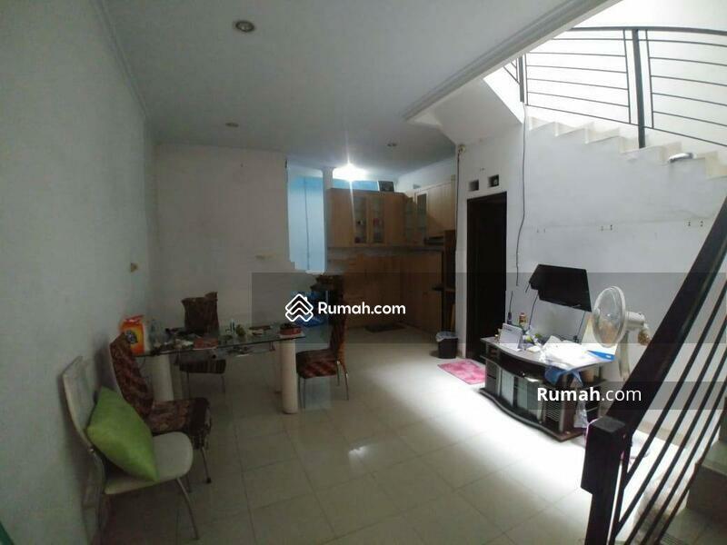 Rumah Bagus Kavling Polri Jelambar, Jakarta Barat #105227890