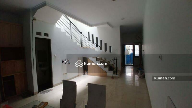 Rumah Bagus Kavling Polri Jelambar, Jakarta Barat #105227894