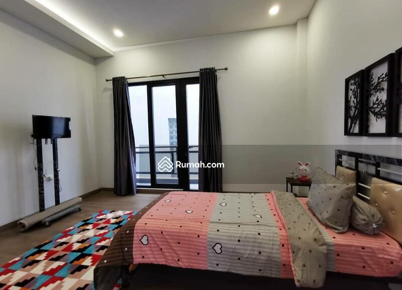 Apartemen Atap Merah #105228032