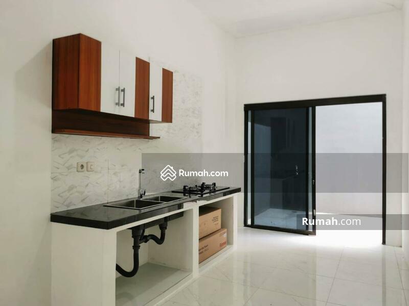 Rumah Baru dalam Komplek daerah Jelambar, Jakarta Barat #105228934