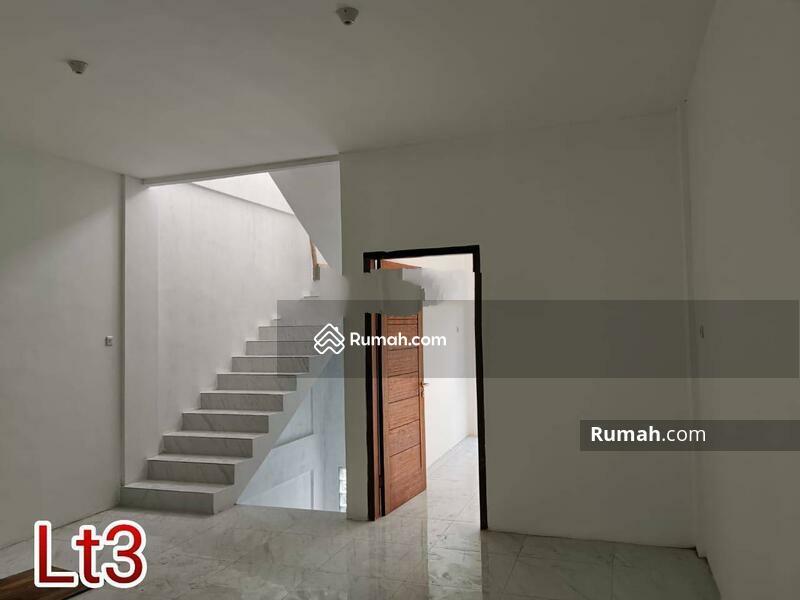 Rumah Baru dalam Komplek daerah Jelambar, Jakarta Barat #105228940