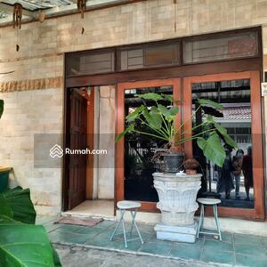 Dijual - Dijual Rumah Siap Huni 2 Lantai di Jl. Dr Nurdin Grogol