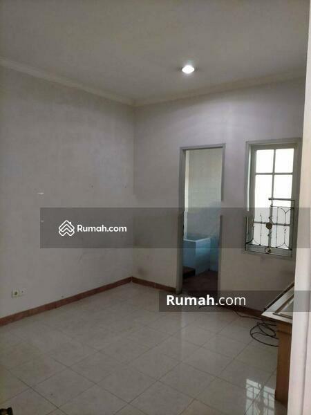 Rumah Cantik Daerah Jelambar, Jakarta Barat #105230890