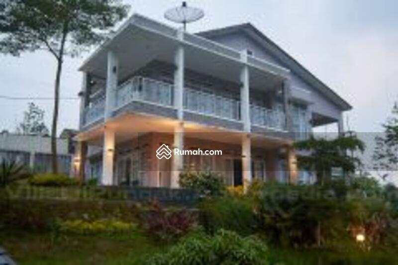 Dijual Villa baru dg 2 kolam renang #105231354