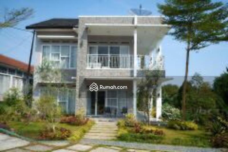 Dijual Villa baru dg 2 kolam renang #105231364