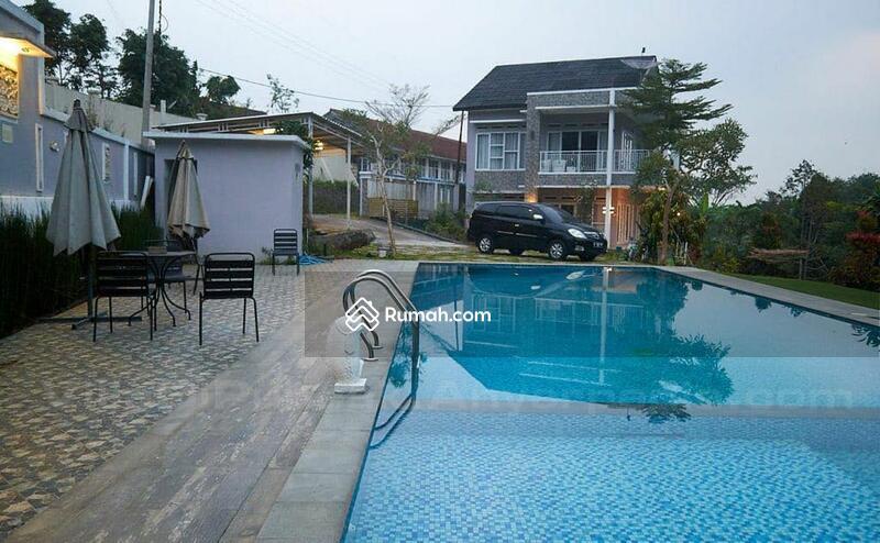 Dijual Villa baru dg 2 kolam renang #105231372