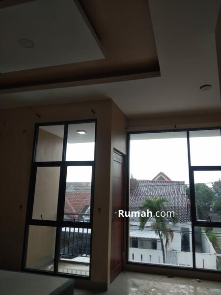 Dijual rumah bagus di  boulevard Hijau Harapan Indah bekasi #105231704