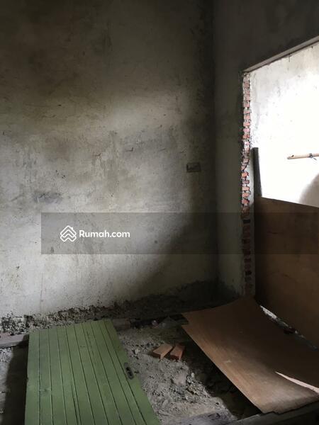 Dijual Rumah 3 Lantai di  Taman Alfa Indah Jakarta Barat #105231836