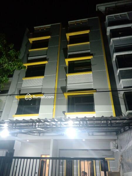 Mangga besar Jakarta barat #105232074