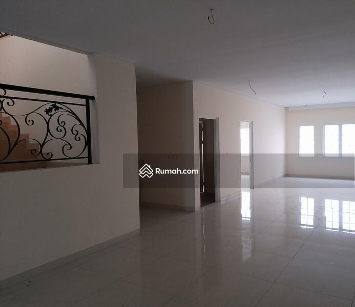 Rumah Baru, Jalan Lebar, Tidak Banjir #105270196