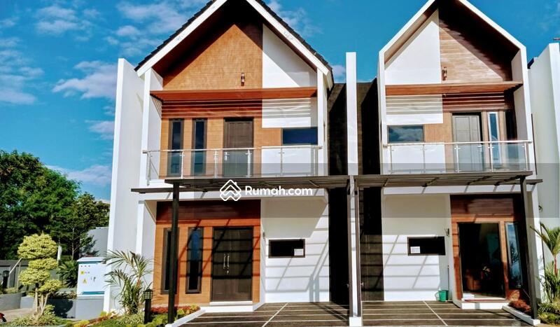 Rumah  Siap Huni Terbukti Bebas Banjir #105291252