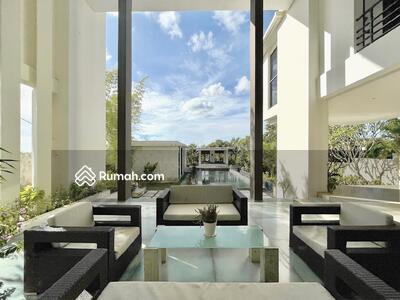Dijual - Modern Villa with Spacious Land