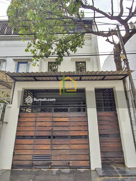 Andre Tjhia Jelambar 4.5x17 bangunan 3 lantai jln 3 mobil Tidak Banjir #108514368