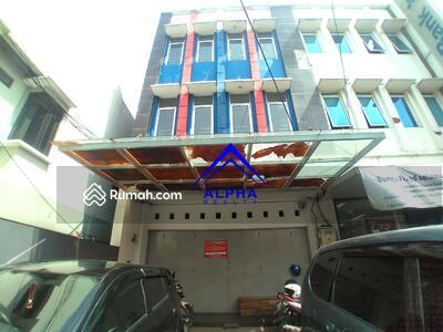 Disewa - Disewakan Ruko 3 Lantai di Padjajaran Bandung
