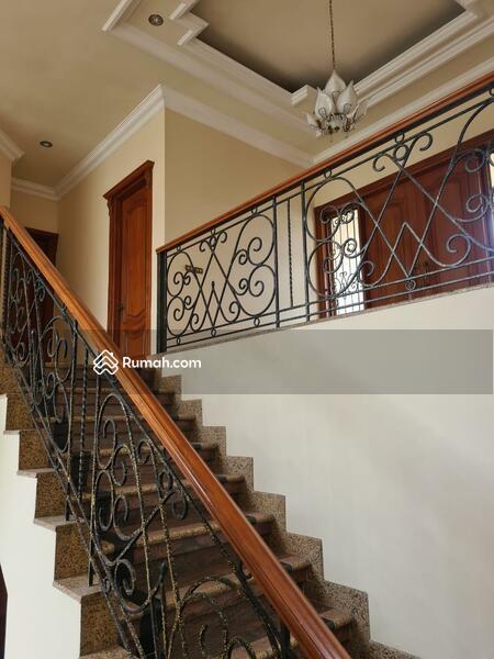 Rumah 2 Lantai Fresh & Istimewa @ Darmo Hill #105401964