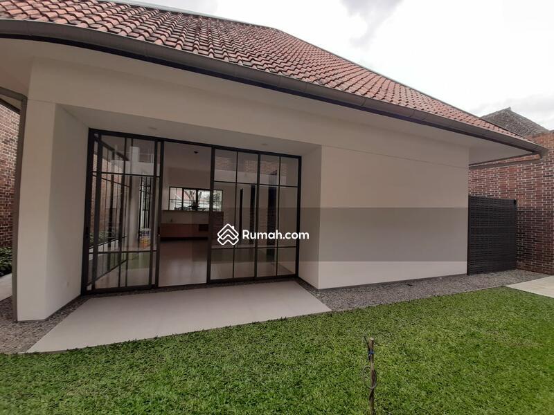 Dijual Rumah Baru 1,5 Lantai Retro Modern Minimalis di Sayap Riau #105431816