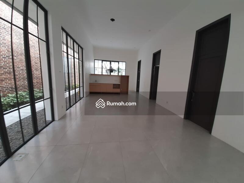 Dijual Rumah Baru 1,5 Lantai Retro Modern Minimalis di Sayap Riau #105431820