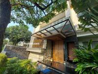 Dijual - Rumah Mewah Baru Furnished 4 Kamar Tidur di lengkapi Private Lift dan Pool di Pondok Indah Jakarta