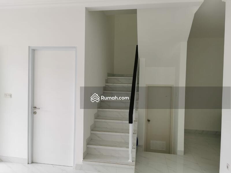 Rumah baru siap huni dalam cluster cantik cipinang #105484990