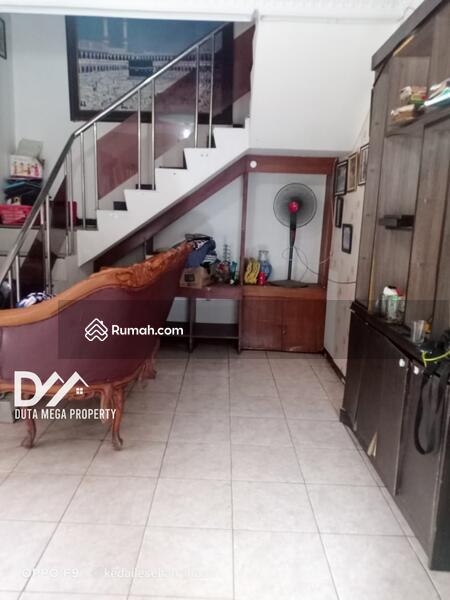 Dijual Cepat Rumah 2 Lantai Lokasi Sangat Strategis, Hanya 3 Menit Ke Halte TransJakarta Piuri beta #105503842