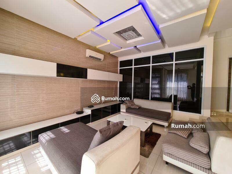 TEBET BARAT AKSES 2 MOBIL - Rumah Cantik Seperti Baru #105541734