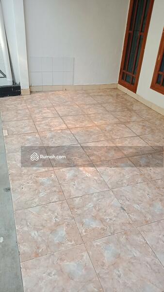 Dijual rumah siap huni klender Jakarta timur #105556918