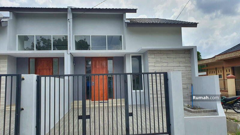 Rumah siap huni di Medan Johor karya wisata type 65 tiga kamqr #105562696