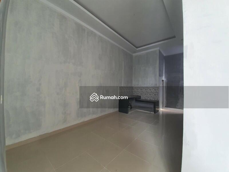 Rumah siap huni di Medan Johor karya wisata type 65 tiga kamqr #105562698