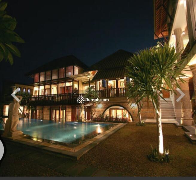 Villa besar dekat sama sama restoran #105570526