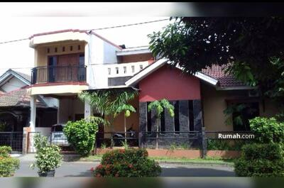 Dijual - Dijual Rumah Hoek 2 lantai di Taman Peninsula Pekayon Bekasi