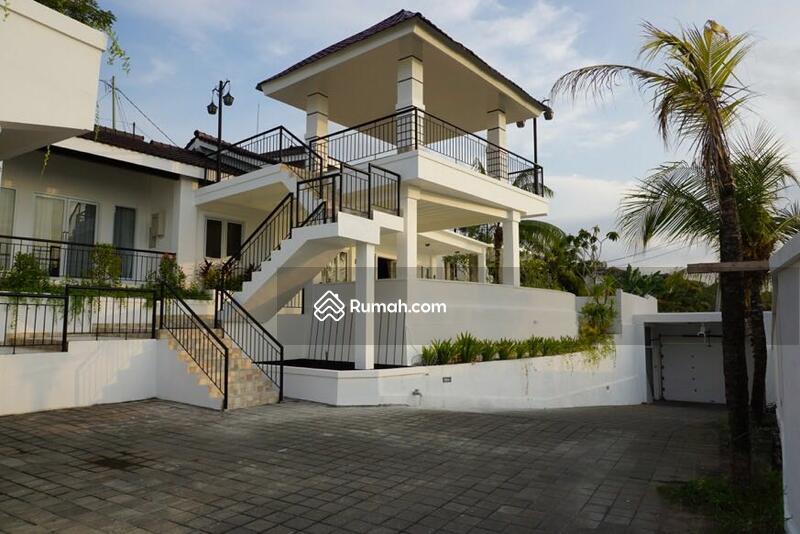 Dijual Villa Jimbaran Labuan Sait dengan View Laut yang Indah #105619574