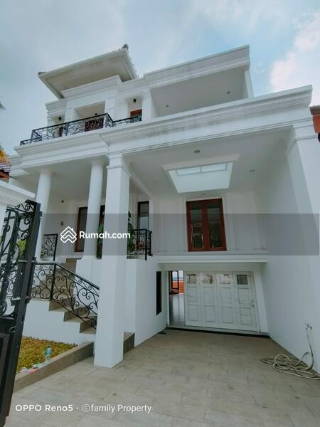 Rumah classic baru di area Petukangan M saidi Jakarta Selatan #105640272