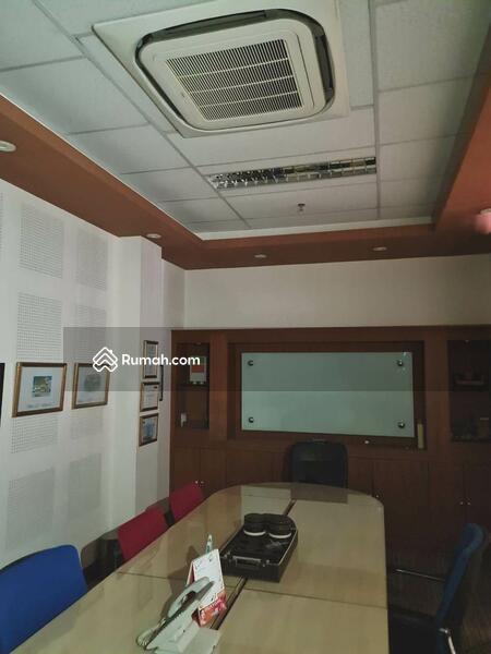 Gedung Kantor 4 Lantai Siap Pakai di Arteri Pondok Indah Jakarta Selatan #105675496