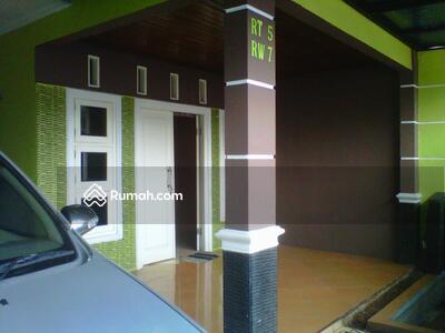 Dijual - Rumah luas 235 m2 dengan kolam renang di Parung, Kabupaten Bogor
