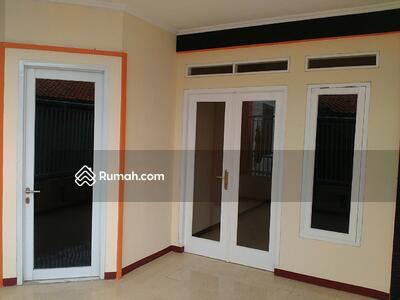 Dijual - Rumah Utama Beserta Kamar Kost Duren Tiga Harga Di Bawah NJOP