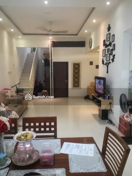Rumah Minimalis Tropis Dekat Pintu TOL Brigif di Taman Mutiara Cinere #105758558