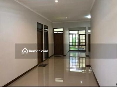 Dijual - Rumah Taman Holis Indah