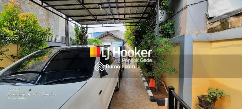 Rumah Ngantong Tanah Luas di Cipayung Jakarta Timur #105835650